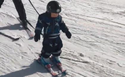 Børn på ski i Hafjell