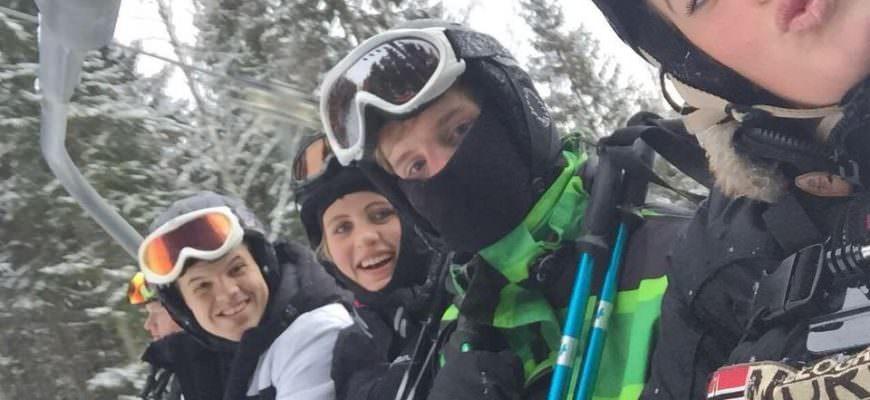 Venner på skiferie i Isaberg